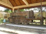 Ancienne locomotive française de l'unique voie ferrée du Laos