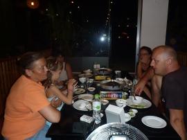 Diner en famille...à l'autre bout du monde