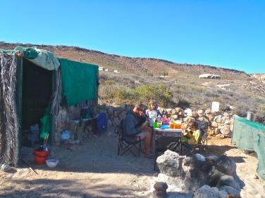 """Notre petite cabane """"rustic"""" a Red Bluff"""