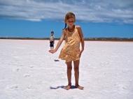 Ailleurs en famille sur lac sale