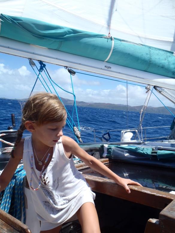 Navigation houleuse, en route pour l''îlot Cosy