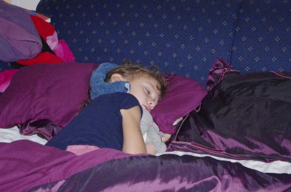 Petite Hannah toute malade