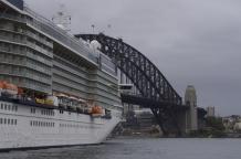 Un immense bateau à Circular Quay