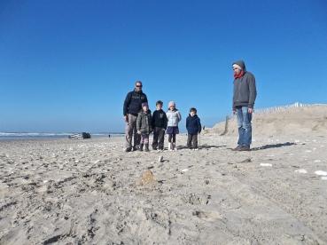 Lancer de cailloux à l'ile d'Oléron