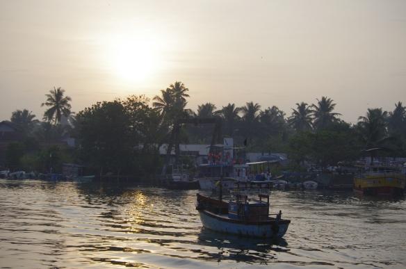 Lever de soleil sur le port